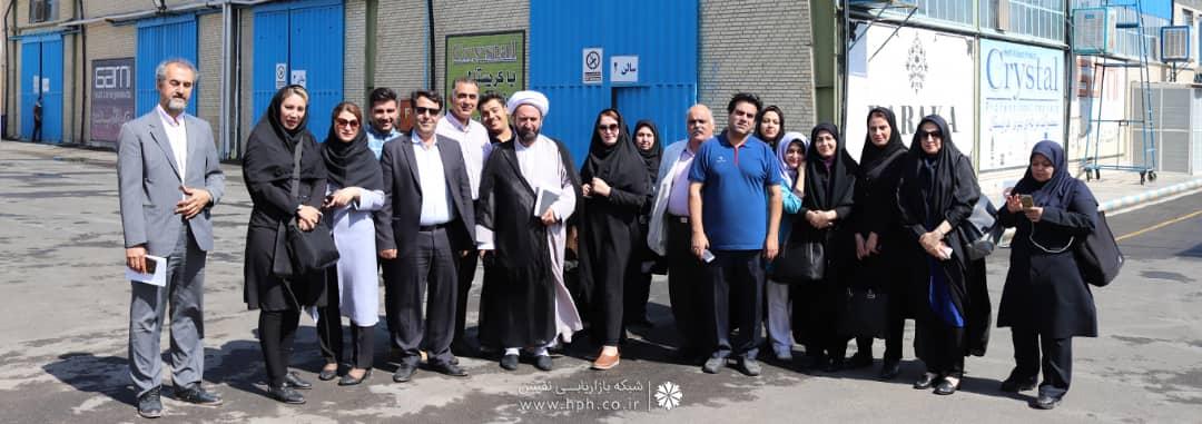 بازدید خبرنگاران از کارخانه نفیس